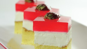 Pudding Strawberry Cake Photo